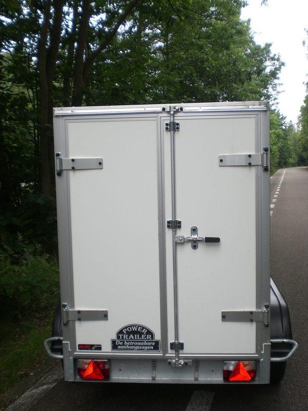 Gesloten aanhangwagen, enkel as, L=2000mm, B=1000mm x H=1500mm, enkel as, ongeremd, panelen van Fins berkhout, kleur wit. € 1440,00 ex btw