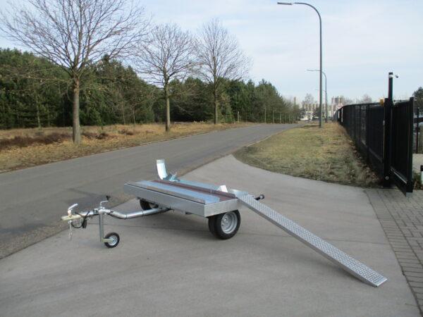 Motor of scooter trailer merk: Helpo, enkel as, htg 750kg, ongeremd, ideaal achter mobilhome