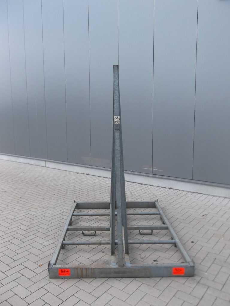 Verhuur nr 20, Glas-raambok, afmeting 2000mm hoog, 2120mm lang, 1500mm breed, dagprijs € 20,00